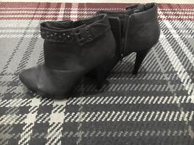 GREY STUDDED BOOTS SIZE 7