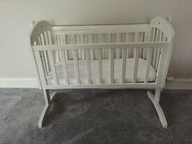 White mamas and papas swinging baby crib