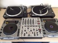 DJX-700 Mixer with 2 CDJ-800's and 2 TT-02 Turntables