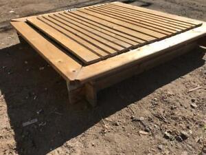 Carré de sable en bois traité