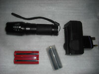 1200LM XML T6 Zooming LED Flashlight Torch Flash Light Lamp 2x 18650 AAA charger