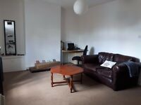 Broomhill centre - 2/3 Bedroom Flat good for students/post grads/professionals sharing