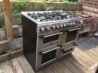 Sparkling clean 6 burner stove