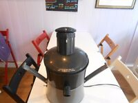 Industrial fruit and veg juicer very good clean condition
