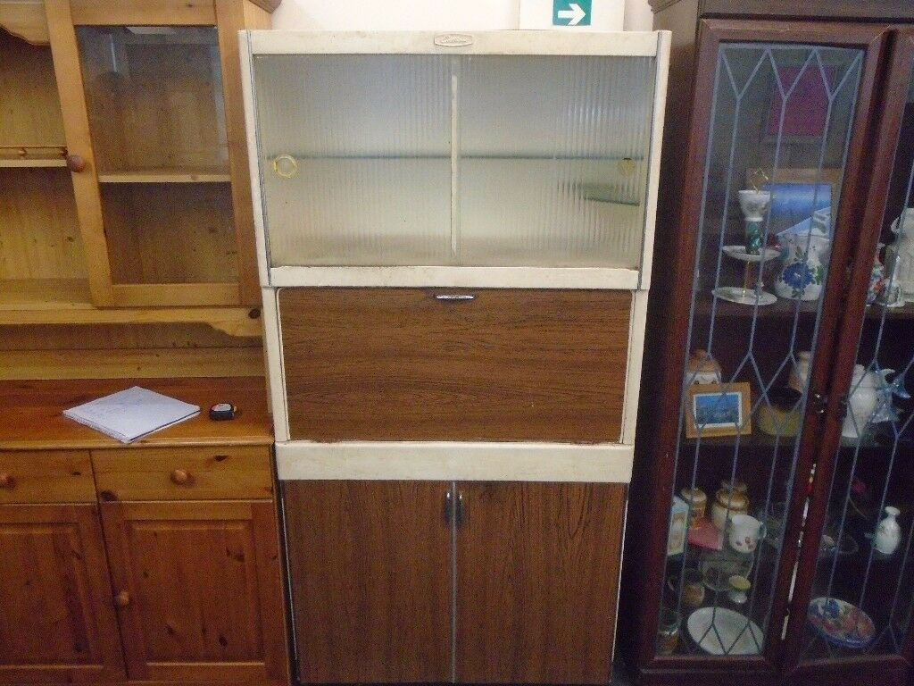 1950s brown and cream pantry