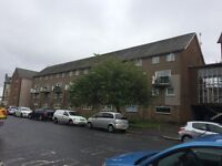 Well Presented Spacious 3 bed flat Paisley Town Centre
