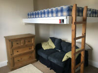 Lovely double room, furnished in shared student house in Bishopston