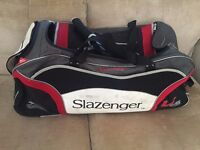 Cricket set with FREE cricket bag with wheels