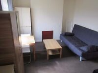 PRIVATE DOUBLE STUDIO WITH BALCONY ( ENSUITE + PRIVATE KITCHEN) IN EAST ACTON - ZONE 2/ CENTRAL LINE