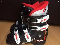 Nearly NEW Nordica Ski Boots UK 4-4.5 Eur 23-23.5