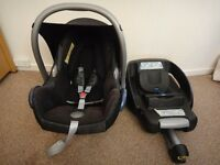 Maxi cosi easy fix car seat suitable from birth to 9 months with iso fix base
