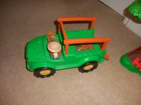 Fisher-Price Little People Zoo Talkers Animal Sounds Zoo Play set