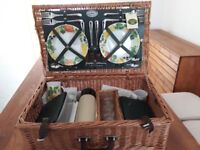 Picnic basket set - never been used