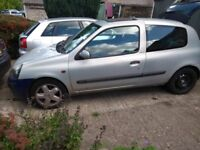 Renault Clio MkII 2002 Breaking for Spares or Complete for Repair