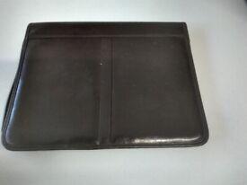 Burgundy leather zipped conference folder