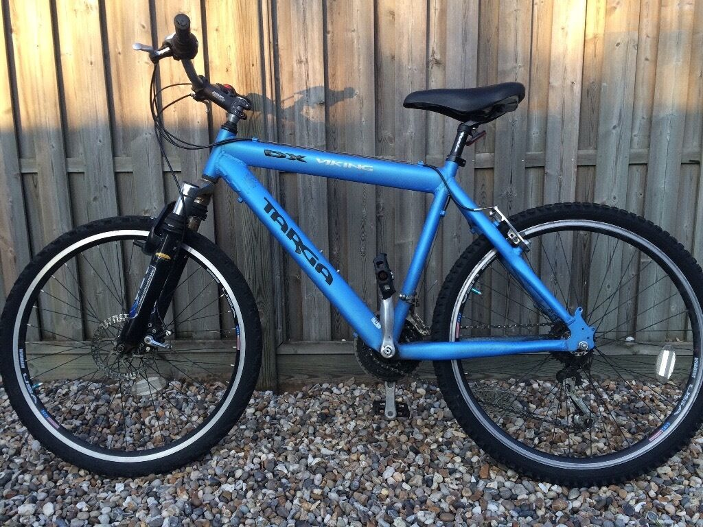 Mens Bikein Wickford, EssexGumtree - Mens Bike Has recently had a brand new front tyre and inner tube fitted. Needs a little attention here and there, ie on the brakes and other tyre/innertube will need replacing on the other wheel also gears. Revoshift Shimano. Comes with an almost new...