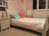 Beautiful Solid Wood Girl's Bedroom Furniture