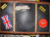 RETRO old school suit case good condition