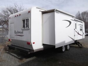 2007 Forest River ROCKWOOD 8318SS - REAR BUNK ROOM FRONT QWA BED