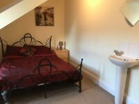Lovely Double Attic Room in Professional Houseshare, No Deposit, Inc Most Bills & Cleaner