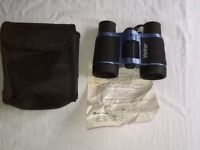 Vivitar Compact Binoculars with Pouch and Intructions