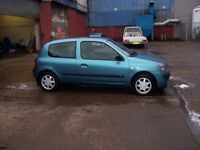 RENAULT CLIO CHEAP LITTLE 06 RUNABOUT OR XMAS PRESENT