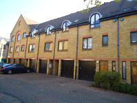 Wapping E1W.3 bedroom house. (2 double and 1 single bedroom)