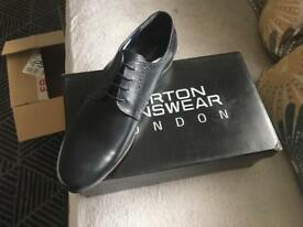 Men's black shoes size 11