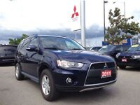 2011 Mitsubishi Outlander LS (TWO SETS OF TIRES! HEATED SEATS!)