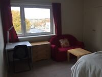 Large Room to rent in a quiet 2 bed flats at 10 min walk to Aberdeen University & direct bus to RGU