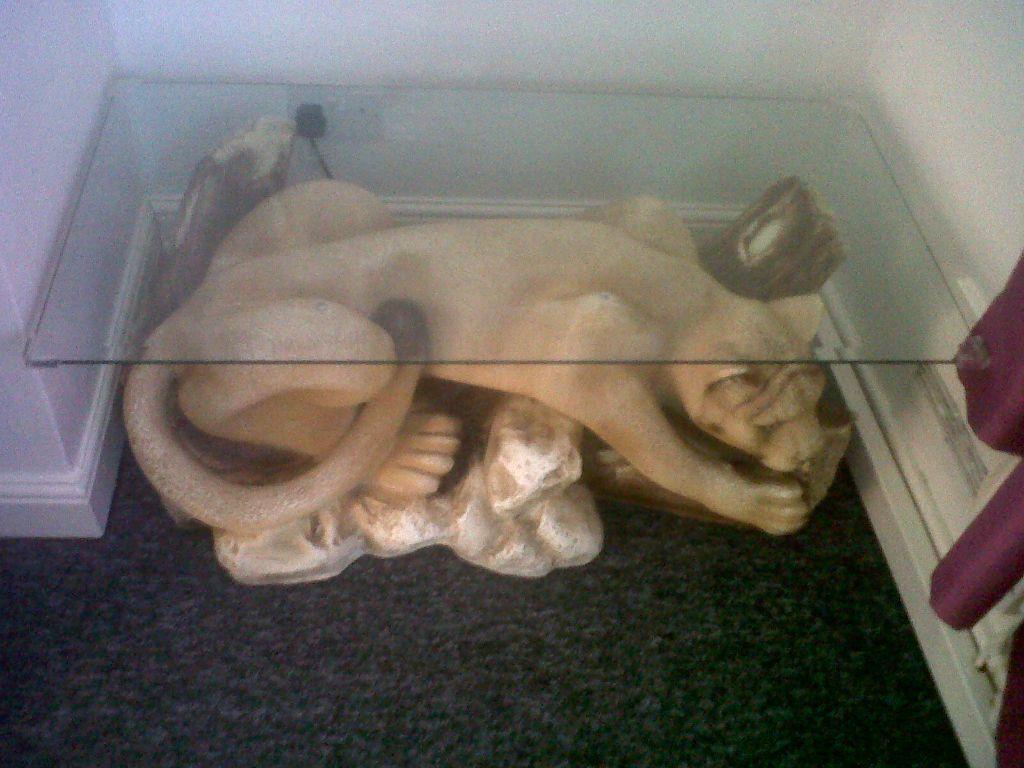 Image 1 of 3 - Rare Cougar Mountain Lion Coffee Table £120 Middleton