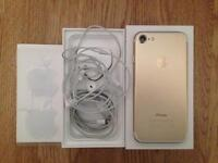 For sale iPhone 7 GOLD 32gb UNLOCKED--- MINT