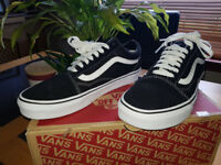 Ladies, Mens, kids Vans sneakers trainers Old Skool black/white size 6 Like new
