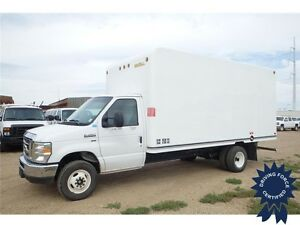 2016 Ford E-450 16 ft Cube Van w/ Unicell Fibreglass, 17,374 KMs
