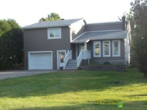 349 900$ - Maison 3 étages à vendre à Carignan