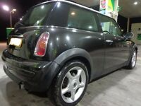 2004 top spec black mini cooper 1.6 needs attention to clutch but DRIVEAWAY OR DELIVERY AVAILABLE