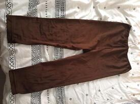 Brown leggings.