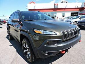 2016 Jeep Cherokee Trailhawk SAFETY-TECH HITCH ET PLUS West Island Greater Montréal image 3