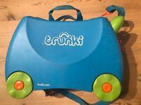 Trunki kids ride on suitcase