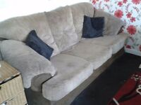 3 seater n 2 chairs