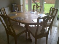 Quality oak extendable dining table and 6 chairs