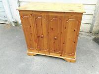 Wooden TV cabinet / storage unit / sideboard
