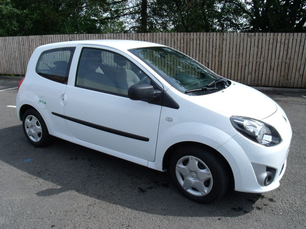 renault twingo 1 2 expression 3 door 2011 11 reg factory white in rutherglen glasgow gumtree. Black Bedroom Furniture Sets. Home Design Ideas