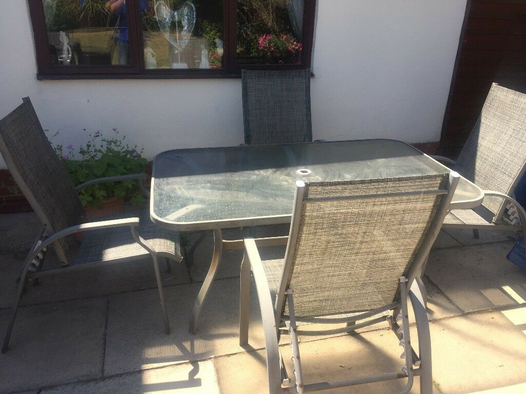 Garden table and 4 chairs leeds