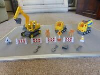 Childs Construction set Includes: Digger , Lorry, Cement mixer, 4 builders Road signs & accessories