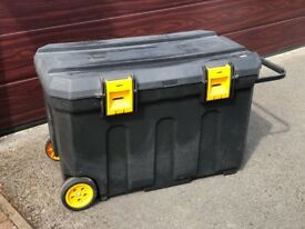 Wheeled tool chest