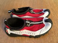 High Quality heavy duty sole aqua / sport shoe size 1