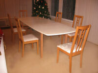 FABULOUS REFURBISHED 8 FOOT OAK DINING TABLE & 6 NEWLY UPHOLSTERED OAK CHAIRS (CAN DELIVER)