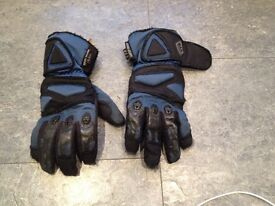 Street Mate motor cycle gloves small.