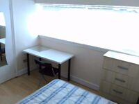£125 Double room available for Short term only ( 3 weeks max period ) in Dalston Junction